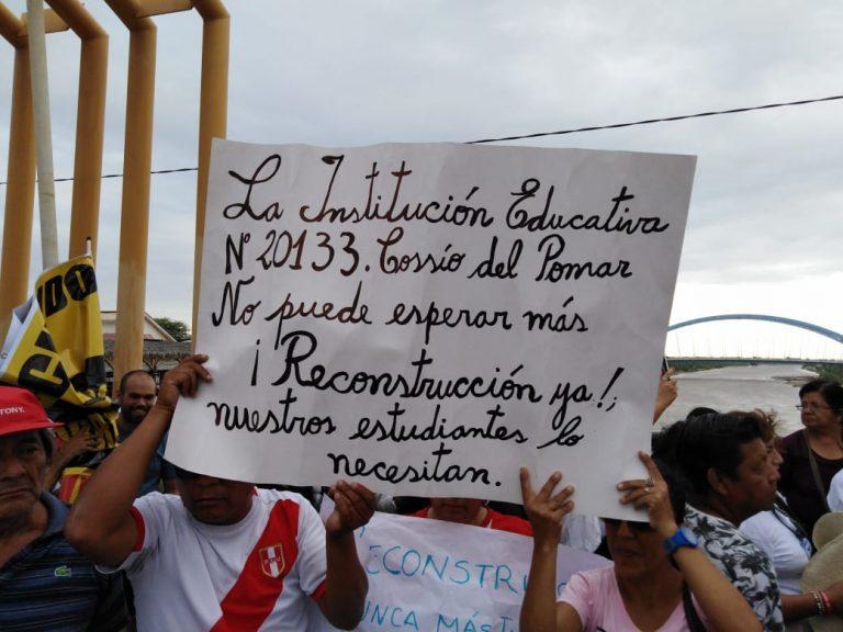 Entrevista radial tras la manifestación pública en Piura por la lentitud del proceso de la Reconstrucción